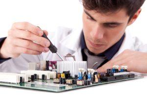 Reparo de equipamentos eletrônicos cresce 28% com relação a 2015 – Jornal Hoje